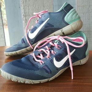 Nike training shoes size 8